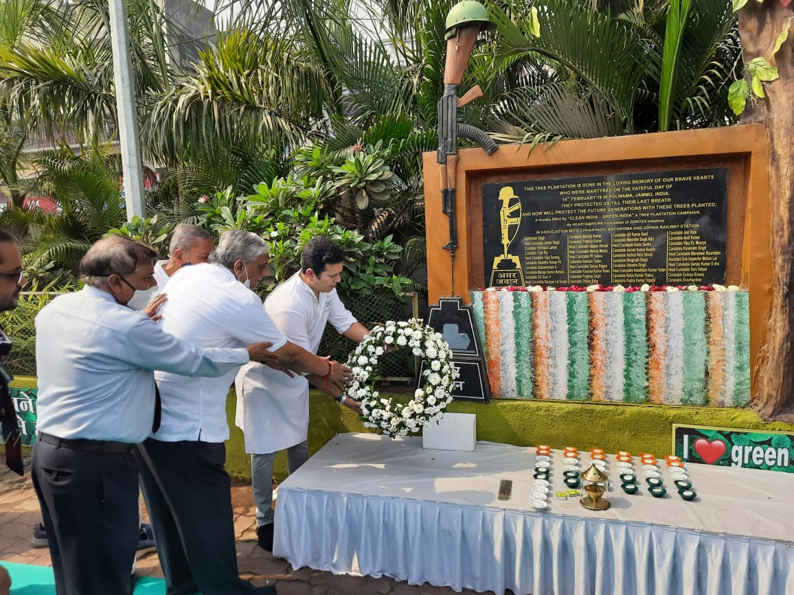 Surat pays tribute to the brave Martyrs of Pulwama