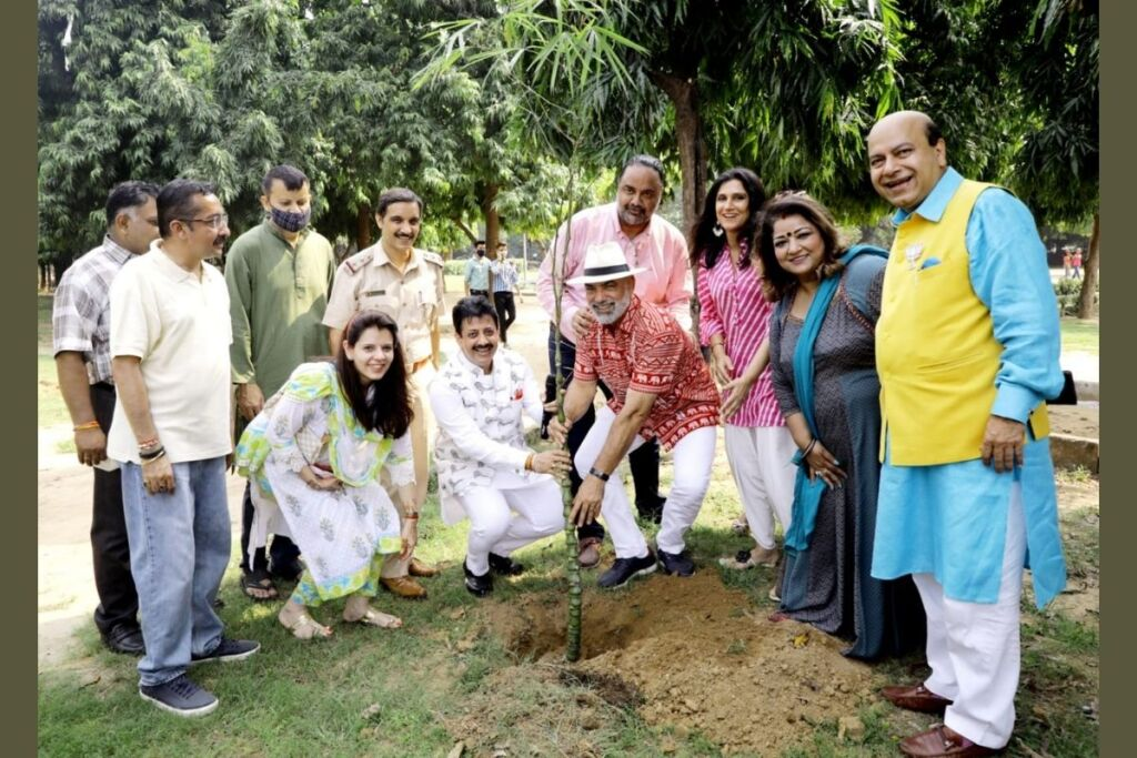 New Delhi Social Workers Association (NDSWA) on the Occasion of Gandhi Jayanti Plant 101 Trees